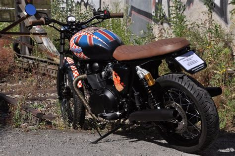 Motorrad Club Basel by Umgebautes Motorrad Triumph Bonneville T100 Black