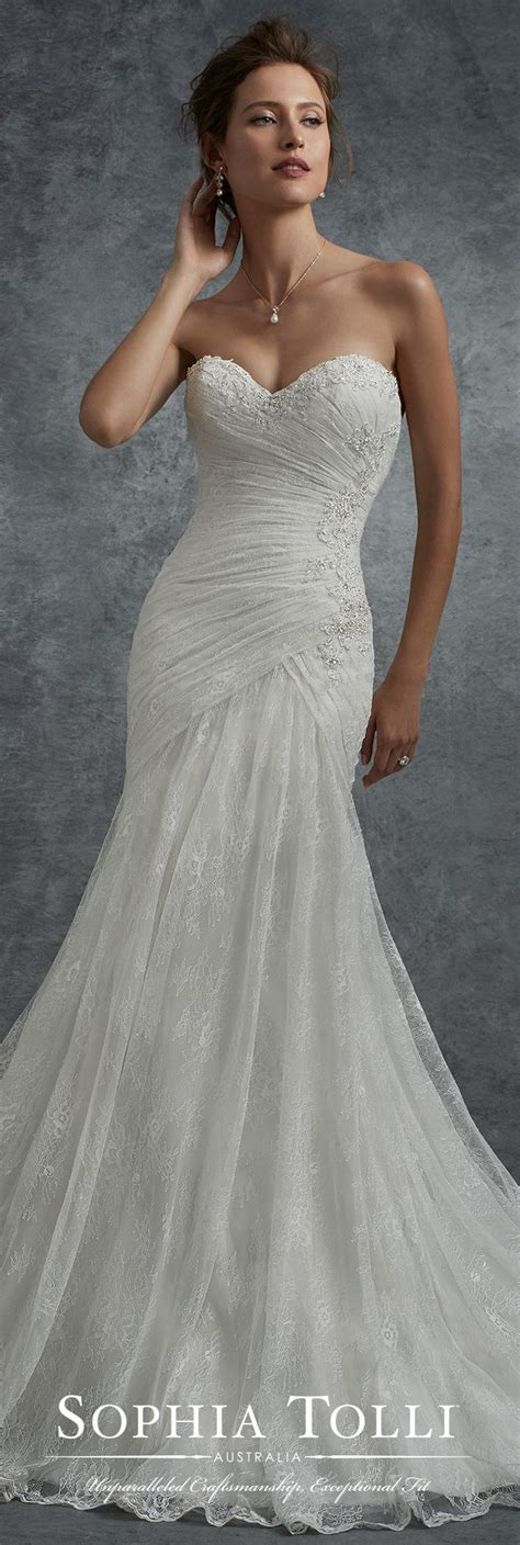 Fall Style Wedding Dresses best 25 fall wedding gowns ideas on sleeved