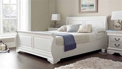 types of headboards slay bed a sleigh bed is a style of bed with curved or