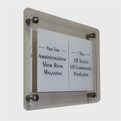 targhe ufficio plexiglass latec laserazioni tecniche targhe in plexiglass