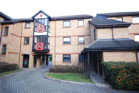 1 bedroom flat to rent in ealing 1 bedroom apartment to rent in clayponds village sterling