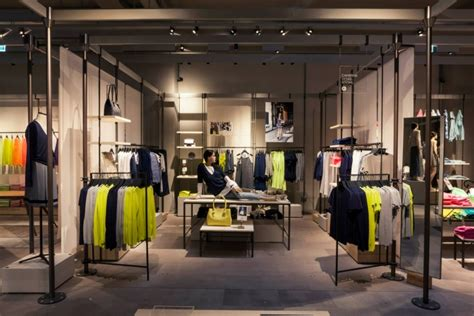 the look store milan tv united colors of benetton concept store milan italy