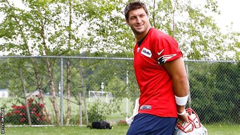 recent news on tim tebow unsigned free agent rotoworldcom bbc sport free agent tim tebow signs for the new england