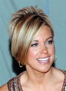 kate gosselin pixie cher is back on the charts with woman s world short