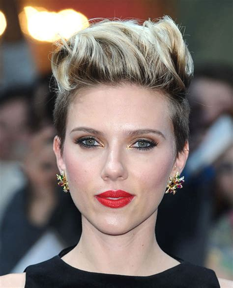short hair scarlett johansson s hairstyles 2018 bob pixie haircuts