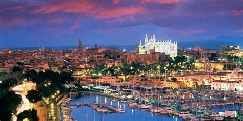 Warm Home Decor by Palma De Mallorca Guide