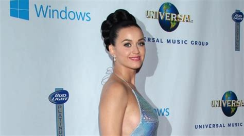 hat katy perry ein tattoo hebamme b z berlin