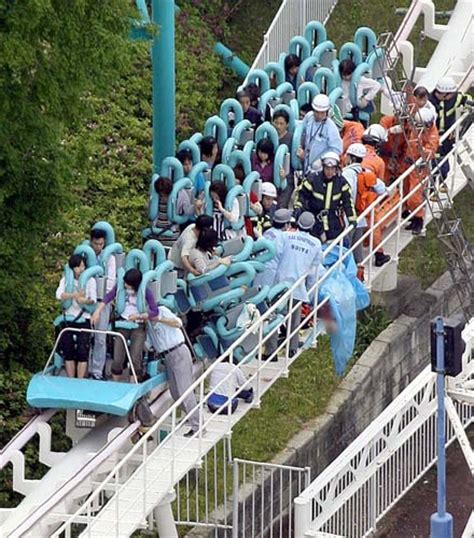 theme park deaths fatal roller coaster accident at japan s expoland theme