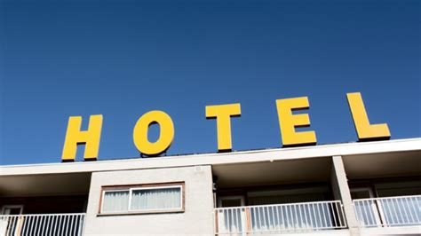 best hotel deal the best times for hotel deals idbackpacker