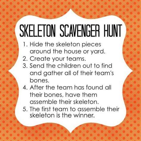 skeleton scavenger hunt hallowenn