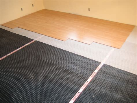 Laying Laminate Flooring Diy And Professional Installation Of Laminate Flooring