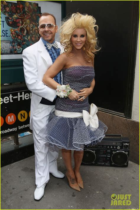 jenny mccarthy prom jenny mccarthy donnie wahlberg go retro for prom radio