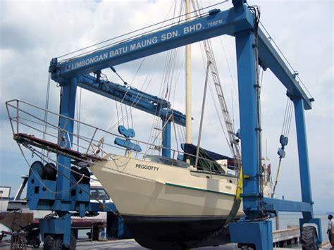 Marine Travelift | limbongan batu maung sdn bhd