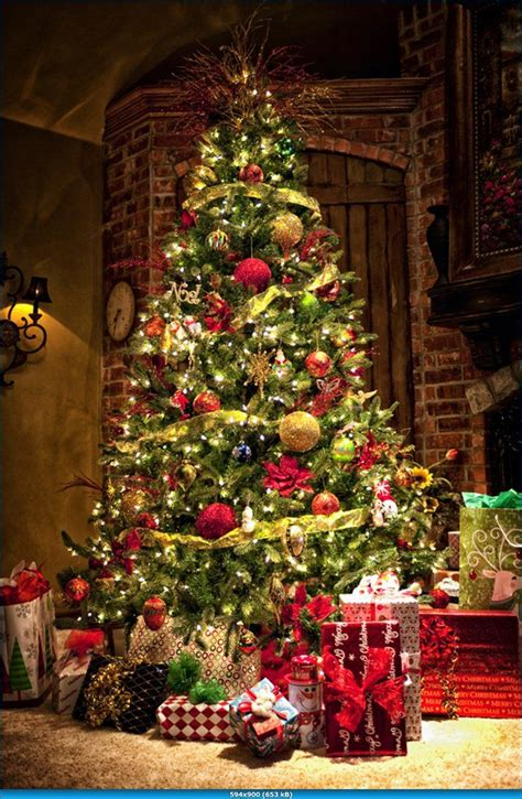 christmas tre traditional tree very nice christmas decor pinterest