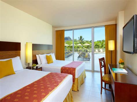 what is a room hotels on waikiki rooms suites park shore waikiki