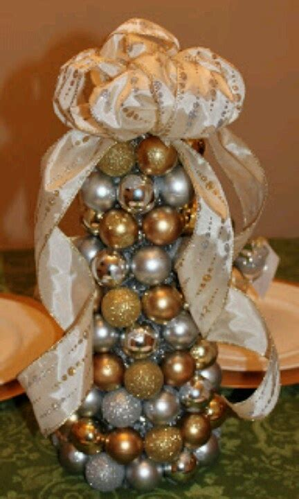 ornament tree centerpiece entertainment - Ornament Centerpiece