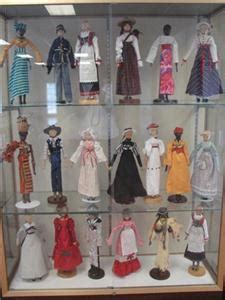 Ringgold Ga Marriage License Records Peg Wooden Dolls Created By Cbell On Display Through Aug 31 Chattanoogan
