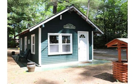 elms waterfront cottages lodge in lake luzerne ny pet
