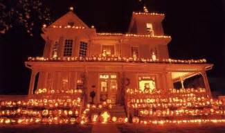 use pumpkins to decorate your house for halloween