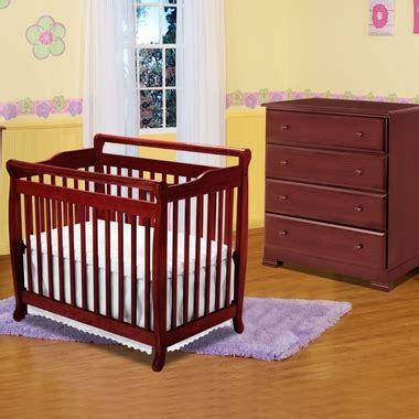 Davinci Emily Mini Crib White Davinci 2 Nursery Set Emily Mini 2 In 1 Convertible Crib And Kalani 4 Drawer Dresser In