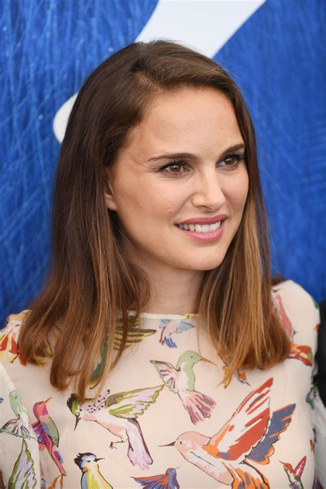 Mid Length Bob Hairstyles by Natalie Portman Mid Length Bob Shoulder Length