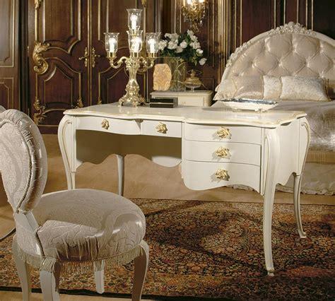 scrivanie di lusso scrivania di lusso in stile dec 242 con finiture in oro