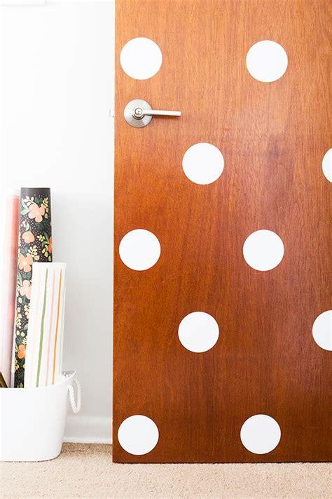Polka Dot Door by 17 Money Saving Decor Ideas For Your Home