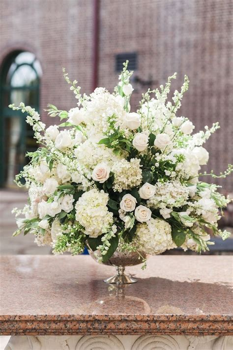 wedding flower arrangements photos new york wedding celebrates elegance wedding centerpiece