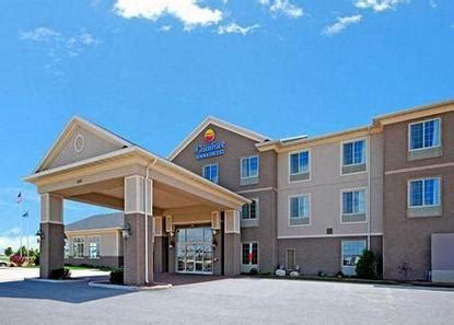 comfort inn wisconsin dells comfort inn and suites de forest deals see hotel photos