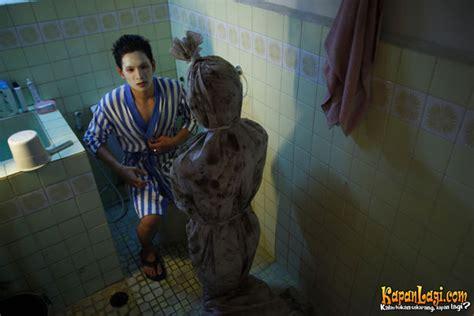 Film Pocong Satu | geger warga pangkep sulsel diteror pocong gedor pintu