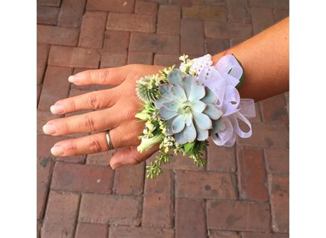 Prom Corsage by Prom Corsage Ideas 2018 S Trends Flare