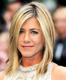 hair cuts for between 40 45 jennifer aniston 47 better than botox 20 hairstyles