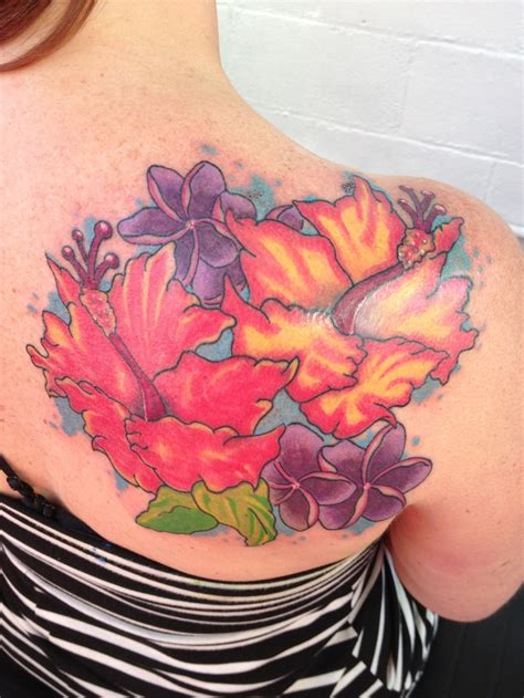 tattoo pictures hawaiian flowers hibiscus flowers on the shoulder hawaiian flower tattoo