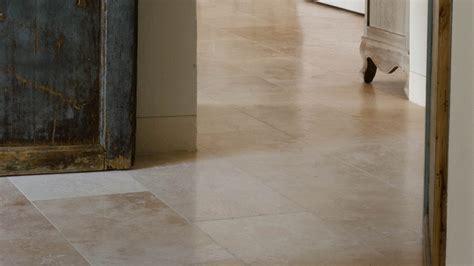 pavimenti per soggiorno pavimenti in travertino per interni soggiorno pietre di
