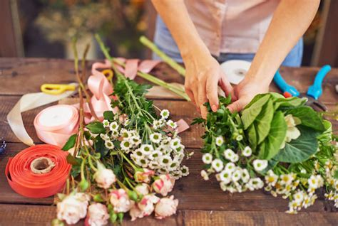 plant food for cut flowers some tips to make your flowers last longer florist