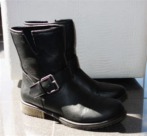 total score rugged black boots from forever 21 social
