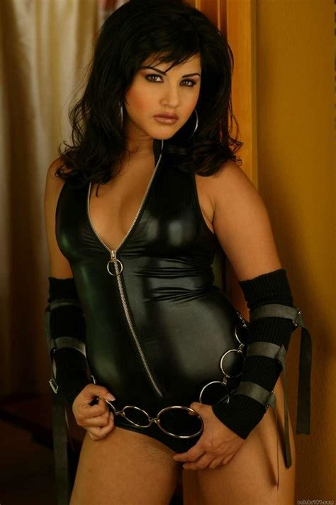 biography in hindi of sunny leone indian adult star sunny leone sexy photos 1 south indian