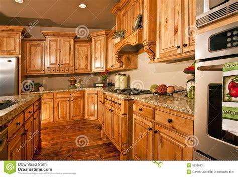 cocinas grandes modernas cocina y aplicaciones modernas grandes imagen de archivo