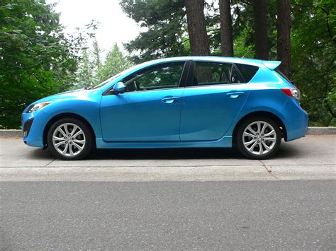 who made mazda find out 2011 mazda 3 hatchback features and