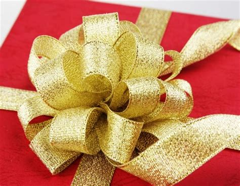 How To Make A Ribbon Bow Out Of Paper - bows out of ribbon how to make a big bow out of