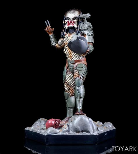 Predator Statue eaglemoss jungle predator mega special statue toyark photo shoot the toyark news