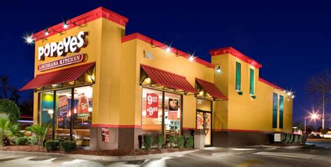 what time does mcdonalds at what time does barnes and noble at what time