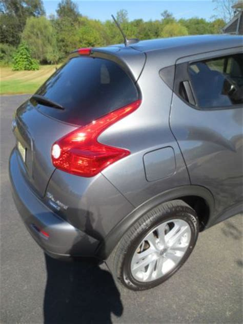 nissan juke grey interior purchase used 2013 nissan juke awd grey with rare red