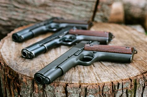Army Lg G5 Dual Se the m1911 is a single semi automatic pistol