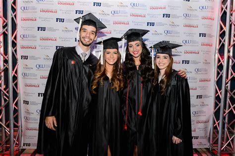 U Of L Mba by Im 225 Genes De La Ceremonia De Graduaci 243 N De Licenciaturas Y