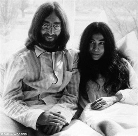 biography of john lennon wikipedia gloria hiroko chapman s life married to john lennon killer