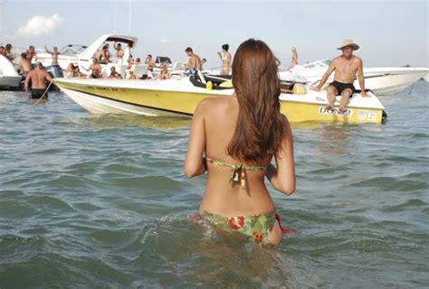 how to get boating license in nc america s best lakes for summer vacation party lakes in