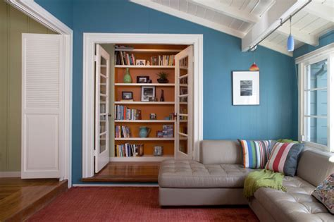 color design beachy bungalow style family room