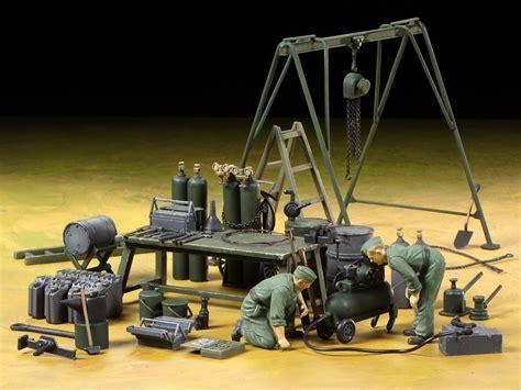 tamiya 1 35 german field maintenance team equipment set 37023