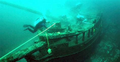 higgins lake sunken boat shipwrecks provide glimpse of great lakes history